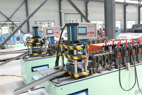 NC roll forming machine